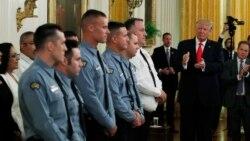 VOA连线(许湘筠): 特朗普为5名警官授予英勇勋章