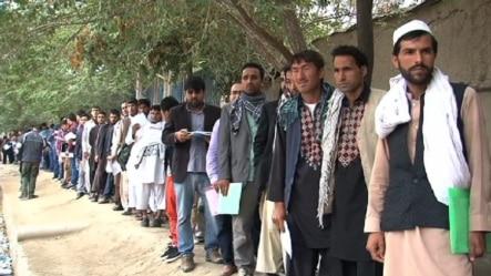روزانه صدها افغان از سفارت هند درخواست ویزه می کند