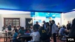 El vicepresidente Mike Pence y su esposa Karen se reunieron en Colombia con familias que han huído de Venezuela.