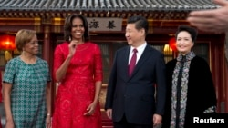美國第一夫人米歇爾奧巴馬及母親與中國國家主席習近平夫婦。