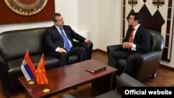 Ministri spoljnih poslova Srbije i Makedonije, Ivica Dačić i Nikola Poposki, tokom susreta u Skoplju (mfa.gov.rs)