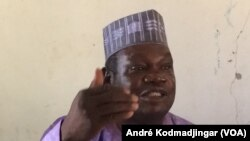 Barka Michel, porte-parole de la plateforme syndicale revendicative à N'Djamena, le 15 mars 2018. (VOA/André Kodmadjingar)