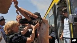 Kosovska policija nije dozvolila nošenje majica sa, kako navodi, srpskim nacionalističkim obeležjima koja podstiču etničku mržnju.