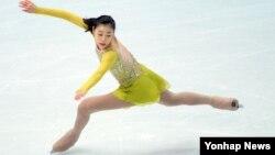 러시아 소치 동계올림픽에 출전한 한국 김연아 선수가 여자 피겨스케이팅 쇼트프로그램 경기를 앞두고 18일 드레스 리허설 중이다.