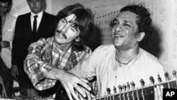 3.august 1967 , George Harrison i Ravi Shankar u Los Angelesu, California