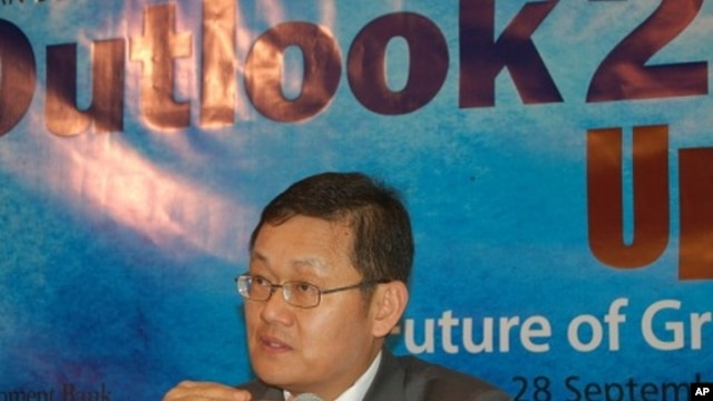 Asian Development Bank economist Lee Jong-wha
