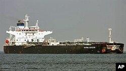 Petroleiro italiano apresado por piratas somalis