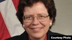 Исполняющая обязанности министра торговли США Ребекка Бланк (фото с сайта commerce.gov)