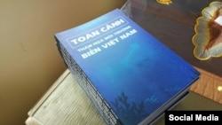 Báo cáo 'Toàn cảnh thảm họa môi trường biển Việt Nam' được một nhóm trí thức trẻ hoạt động vì môi trường Green Trees thực hiện. (Ảnh: Facebook Green Trees)