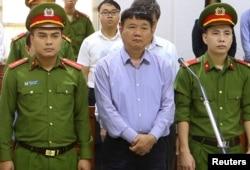 Ông Đinh La Thăng, từng là ủy viên Bộ Chính trị, bộ trưởng, bị xử tù vì tham nhũng