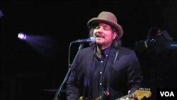 Jeff Tweedy, iz sastava Wilco, podržava organizaciju HeadCount u nastojanju da registrirani nove glasače