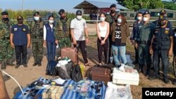 ျမန္မာဘက္က ထြက္ေျပးလာတဲ့ တရုတ္ေလာင္းကစားသမားမ်ား။ (ဓာတ္ပံု - Thai Police ေအာက္တိုဘာ ၂၈၊ ၂၀၂၀)