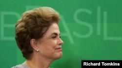 La presidenta de Brasil, Dilma Rousseff, enfrenta la posiblidad de un juicio político.