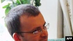 Blogger Emin Milli được phóng thích theo lệnh của một tòa án phúc thẩm ở Baku