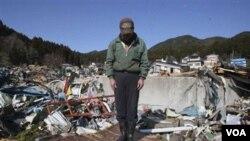 Bencana gempa dan tsunami yang melanda Jepang membuat babak playoff Piala Fed antara Jepang dan Argentina ditunda.