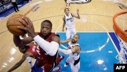 НБА открыла сезон игр в Рождество