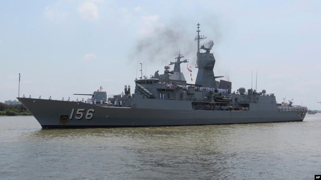 """2019年4月19日,澳大利亞海軍的""""澳新軍團號""""護衛艦停靠在越南胡志明市的西貢港。 這艘軍艦和另外兩艘澳大利亞軍艦在訪問越南途中曾在有爭議的南中國海受到中國軍艦挑戰。"""