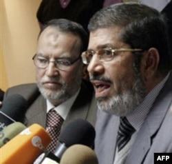 Pripadnici Muslimanskog bratstva na konferenciji za novinare