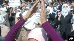شام: سیکیورٹی فورسز کی فائرنگ سے 10 مظاہرین ہلاک