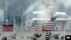突尼斯街头骚乱继续