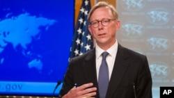 브라이언 훅 미 이란정책 특별대표가 지난달 16일 국무부에서 기자회견을 하고 있다.