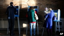 Wisconsin voters cast their ballots in the state's primary at the South Shore Park Pavilion, in Milwaukee, April 5, 2016.