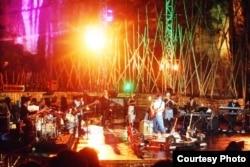 Konser Dewa Budjana