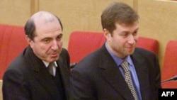 Борис Березовский и Роман Абрамович (архивное фото)