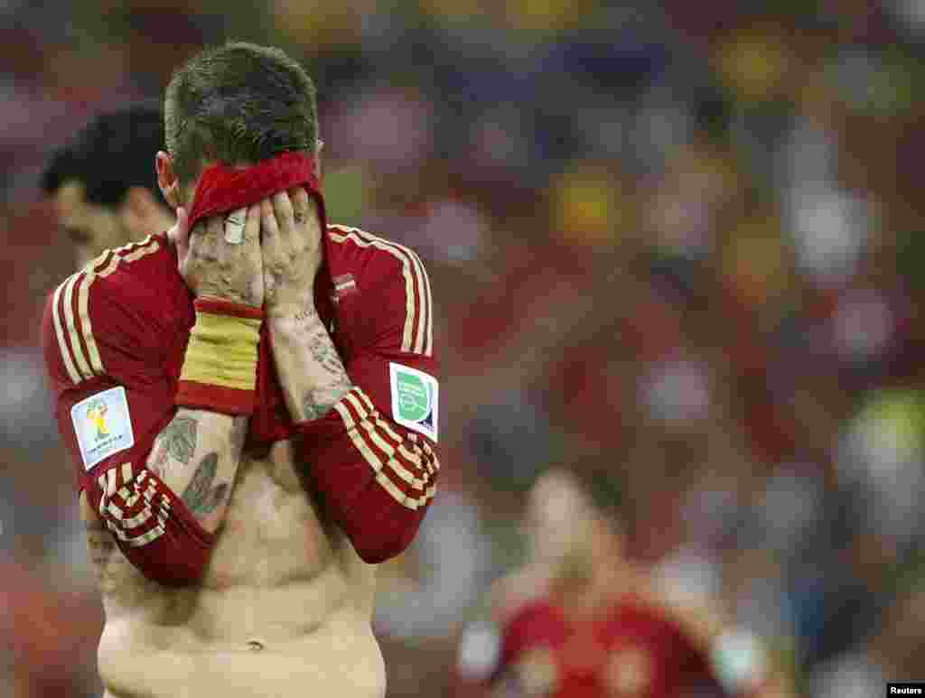 Spain's Diego Costa reacts during their 2014 World Cup Group B soccer match against Chile at the Maracana stadium, in Rio de Janeiro, June 18, 2014.