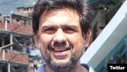"""Carlos Ocariz afirma que el gobierno """"inventa"""" los cargos."""