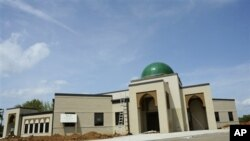 Meski sudah mengantongi putusan hakim, tidak berarti ratusan Muslim di Murfreesboro dapat langsung melewati Ramadan di masjid tersebut, karena masjid itu masih harus melalui proses inspeksi dari pemerintah county untuk mendapatkan ijin (foto: dok.).