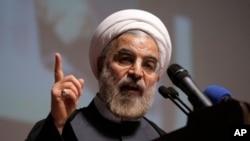 حسن روحاني پر خپل امریکايي سیال غږ وکړ، چې د کانګرس د لایحه مخه ونیسي