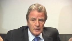 Bernard Kouchner në Prishtinë