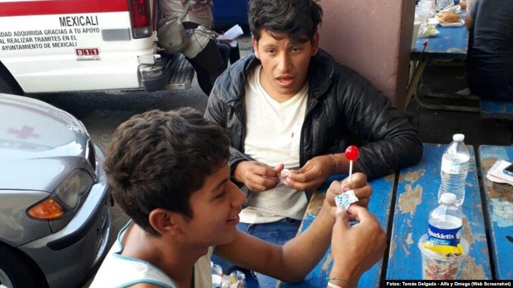 Los migrantes son parte de una caravana de más de 1.000 personas que partieron de la frontera sur de México el 25 de marzo.