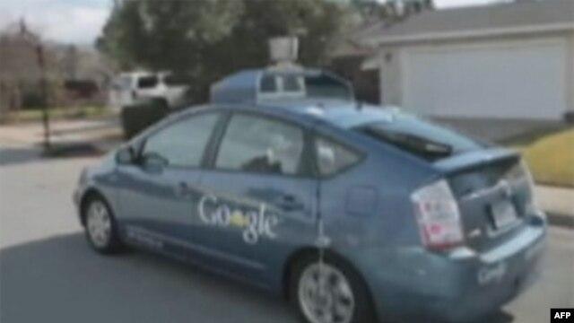 Guglov auto-robot sagrađen je na osnovu Tojotinog hibridnog benzinsko-električnog modela Prius