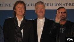 Дэвид Линч (в центре) с Полом Маккартни и Ринго Старром. Апрель 2009 г. Photo by Oleg Sulkin
