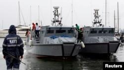 Tàu tuần của hải quân Philippines tại Manila.