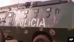 Blindado da policia de Moçambique em Nampula