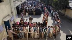 بیش از ۹۳۰ هزار مرکز رایدهی در هند ایجاد شده است.