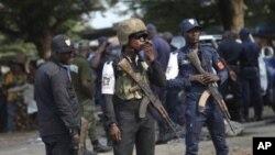 科特迪瓦警方应对示威活动