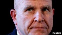 هربرت ریموند مکمستر، فرمانده پیشین نیروهای آمریکا در عراق و افغانستان، اوایل اسفند به عنوان مشاور امنیت ملی رئیس جمهوری انتخاب شد