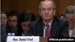 美國國務院制裁政策協調員丹尼爾弗萊德週三出席參議院外交關係委員會東亞、太平洋地區事務以及國際網絡安全政策小組委員會舉行的聽證會。