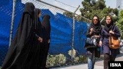 فرمانده هان نیروی انتظامی می گویند فعالیت گشت های ارشاد مورد استقبال مردم است - تهران، اردیبهشت ۱۳۹۲