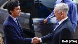 سفیر پاکستان و وزیر دفاع امریکا در مقر وزارت دفاع ایالات متحده دیدار کردند