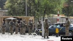 Endamên koalîsyona leşkerî ya bi pêşengîya NATO li Afganistanê li cîhê bûyerê ne
