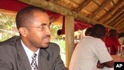 Mouzinho Nicols, presidente da Associação de Defesa do Consumidor de Moçambique (DECOM)