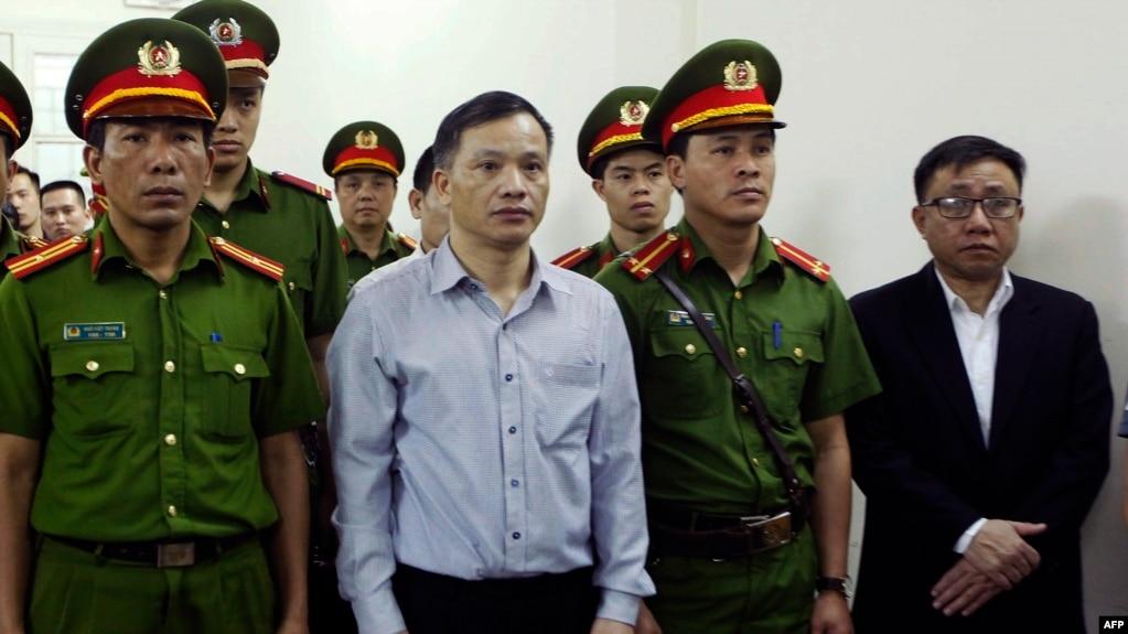 Phiên tòa xử luật sư Nguyễn Văn Đài tại Hà Nội hồi tháng Tư, 2018.
