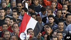مصر: مظاہروں کا سلسلہ بدستور جاری