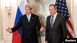 Ngoại trưởng Mỹ John Kerry và Ngoại trưởng Nga Sergei Lavrov trong một cuộc họp tại Munich hồi tháng 1, 2014.