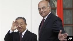 印度國家安全顧問梅農訪問北京中國國務委員戴秉國舉行了會談